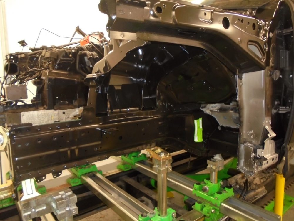 YH14JPX R ROVER NEW CHASSIS LEG AND VALANCE IN PLACE FITTED 004